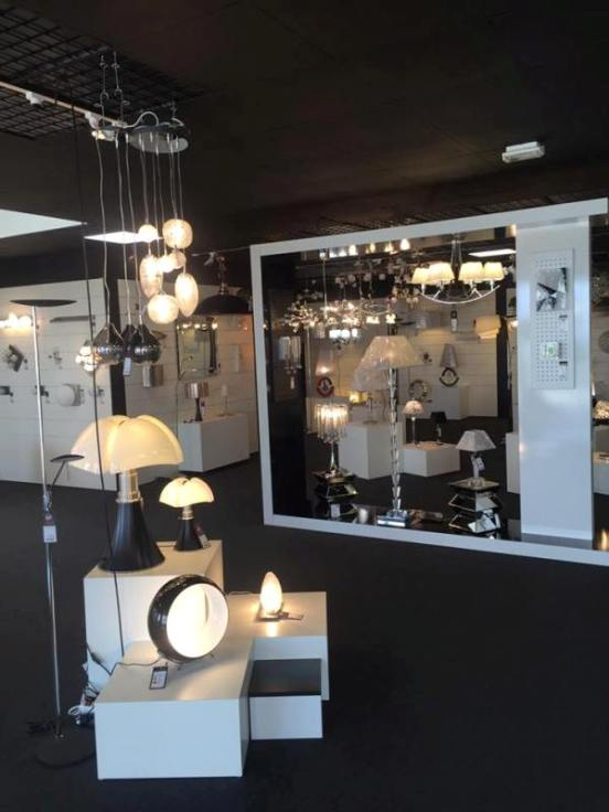 laurie lumi re ouvre son premier magasin en franchise france. Black Bedroom Furniture Sets. Home Design Ideas