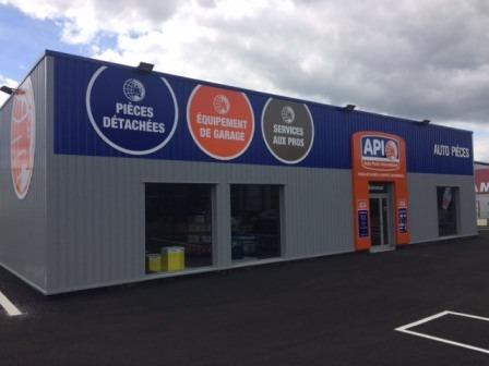 Deux nouveaux magasins ouverts pour la franchise api for Garage sans franchise