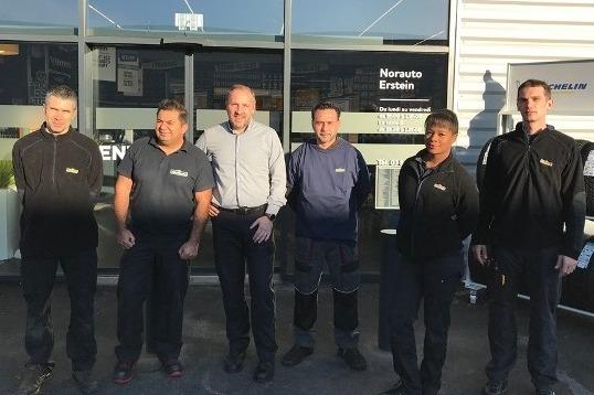 Equipe nouveau centre franchisé Norauto à Erstein