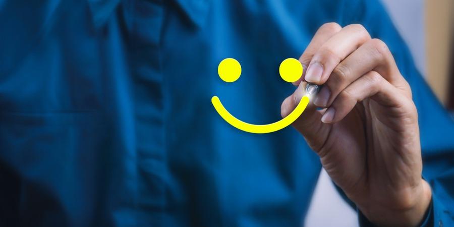 Quelle franchise rapporte le plus dans les services aux particuliers ?