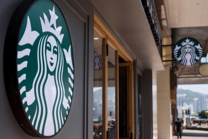 Le réseau Starbucks mise davantage sur son café à emporter