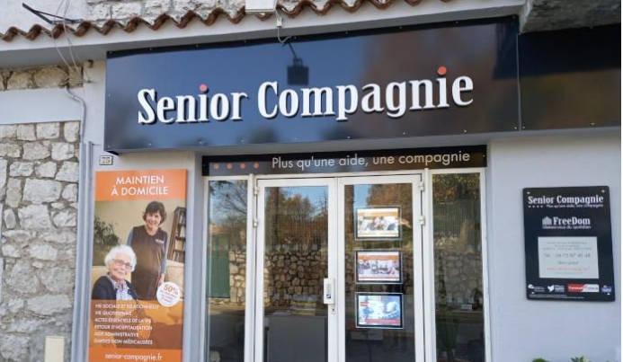 Le magasin Adomis de Vogüé devient désormais Senior Compagnie