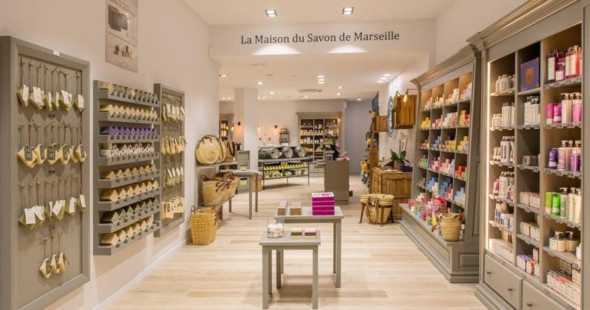 La Maison du savon de Marseille poursuit son développement en France
