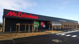 Mr. Bricolage finalise plus d'une douzaine de projets de magasins