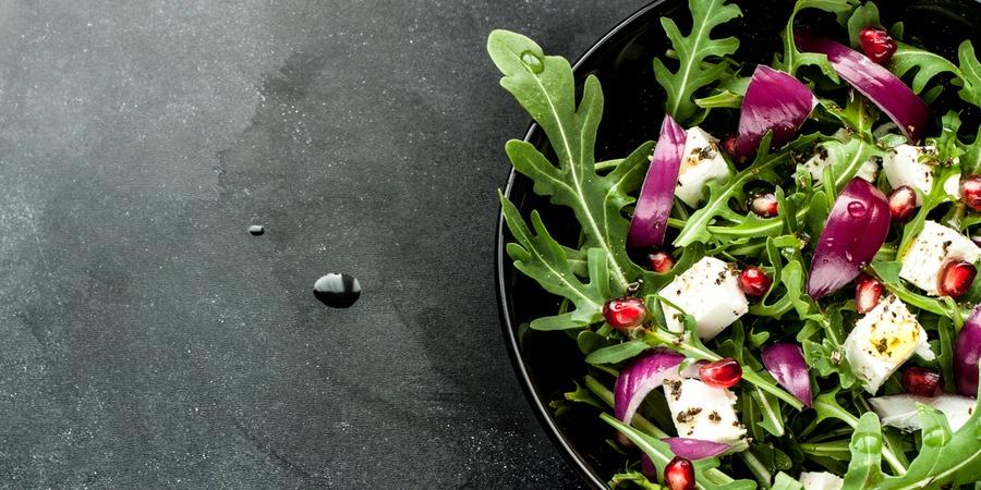 Ouvrir un bar à salade : 2 franchises qui recrutent !
